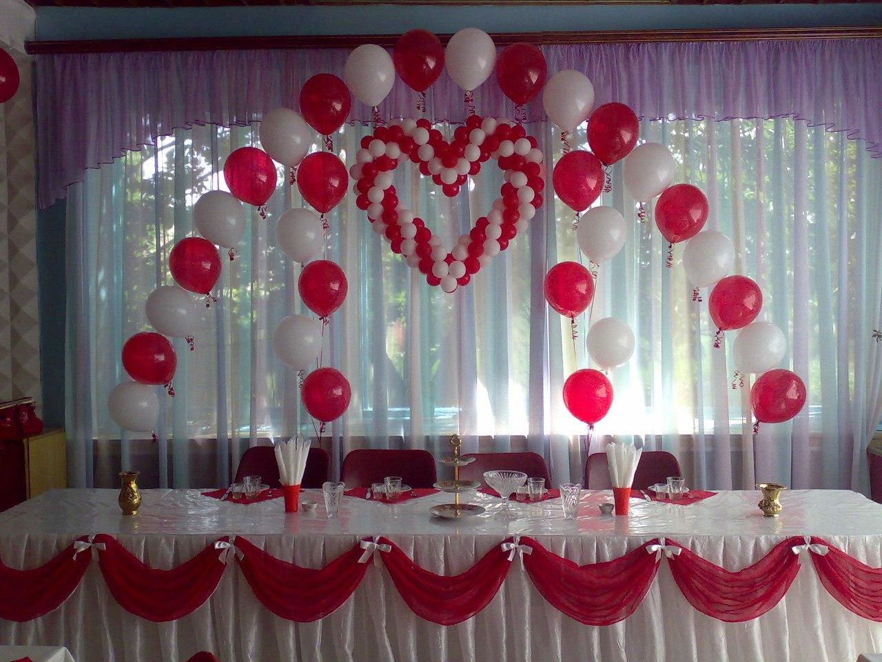 Оформить зал на свадьбу недорого своими руками фото